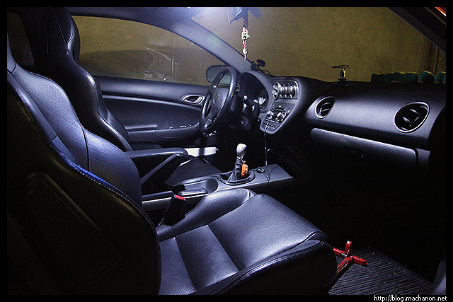 Review: exLEDusa custom Acura RSX interior map and dome