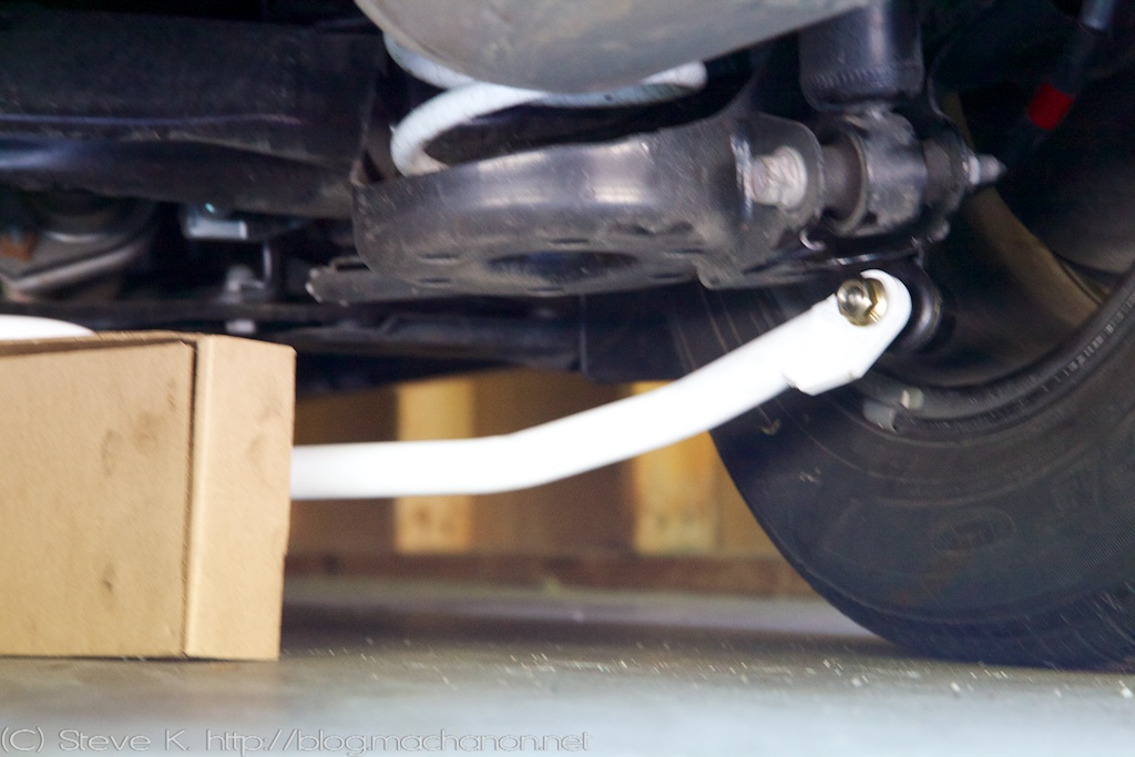 Prius PLUS rear sway bar engaging right end-link stud